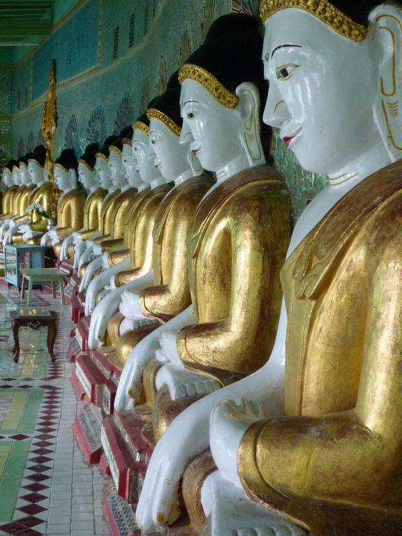 Burma -Buddha statues
